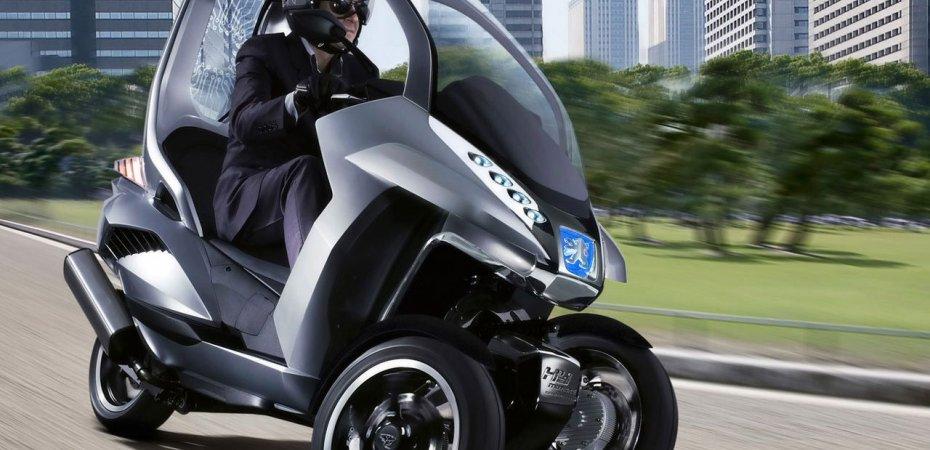 Вводятся права для водителей скутеров