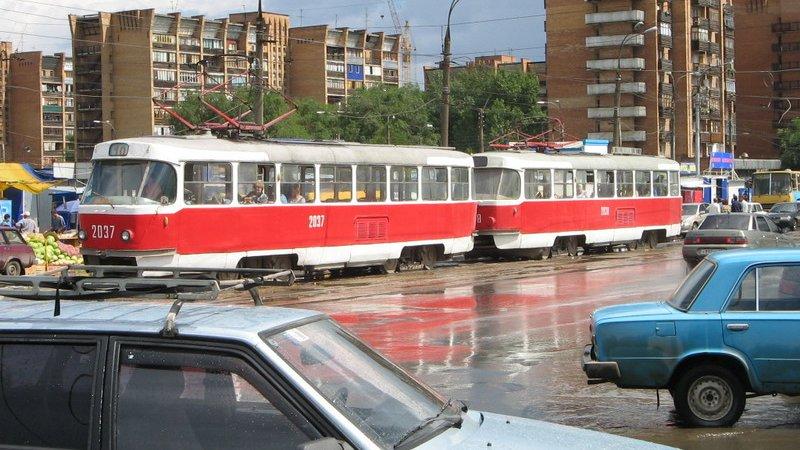 Езда по трамвайным путям обернется лишением прав