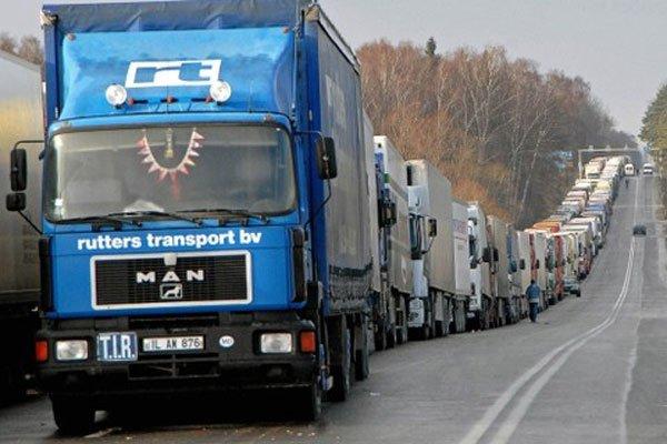 Грузовики будут платить за проезд по РФ