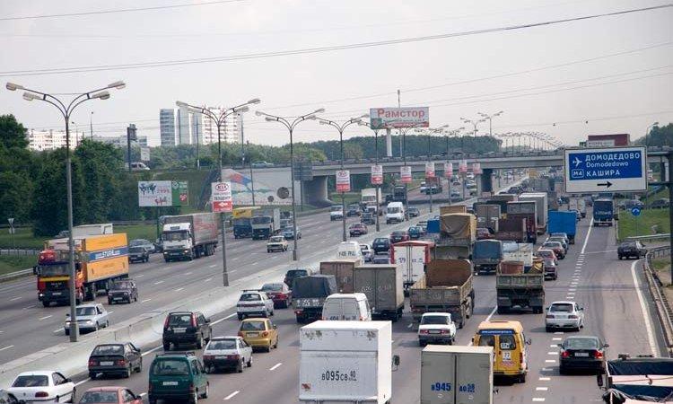 С 15 января грузовики в Москву не пустят
