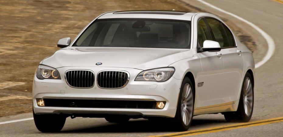 Похищен БМВ (BMW) с международного автосалона в Детройте