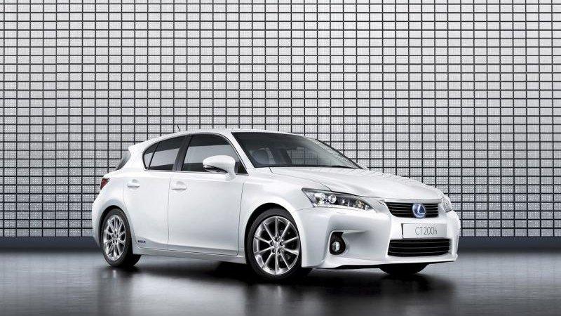 Тойота (Toyota) озвучила цены на Лексус СТ 200h (Lexus CT 200h)