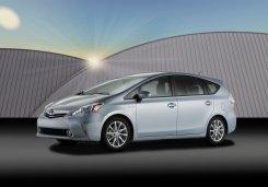 Презентация новой версии Тойота Приус (Toyota Prius) не состоится в назначенные сроки