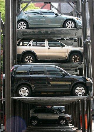 В каждом московском дворе дополнительно должно появиться по 30 парковочных мест