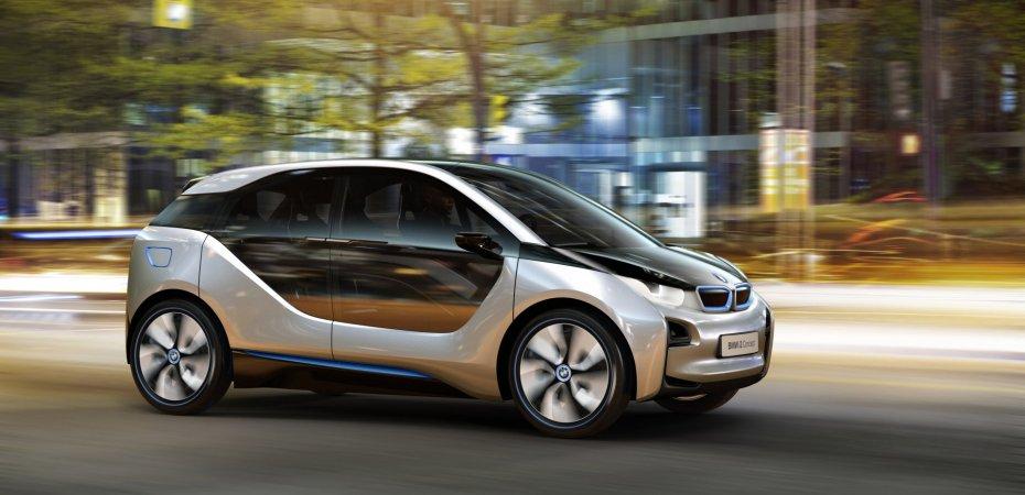 БМВ (BMW) представила две экологичные новинки серии i
