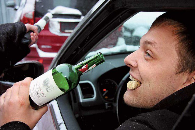 За вождение в пьяном виде ― лишать прав пожизненно
