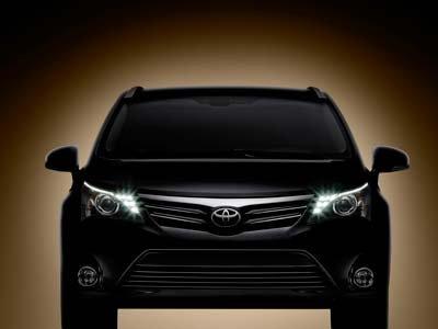 Тойота (Toyota) показала новый Авенсис (Avensis)