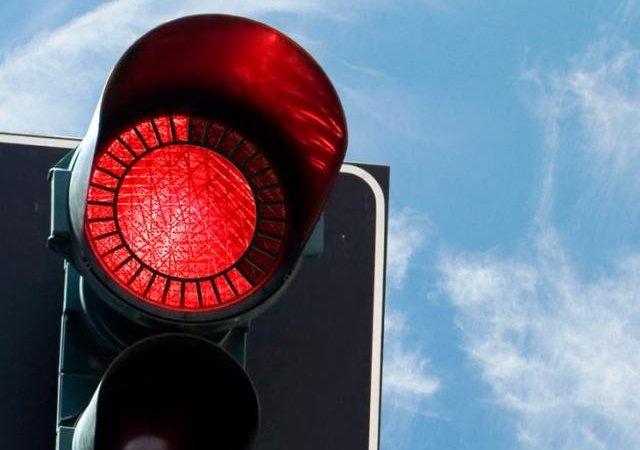 У правого поворота на красный проблемы