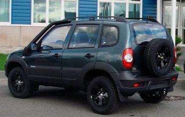 ВАЗ и Шевроле (Chevrolet) продают юбилейную Ниву (Niva)