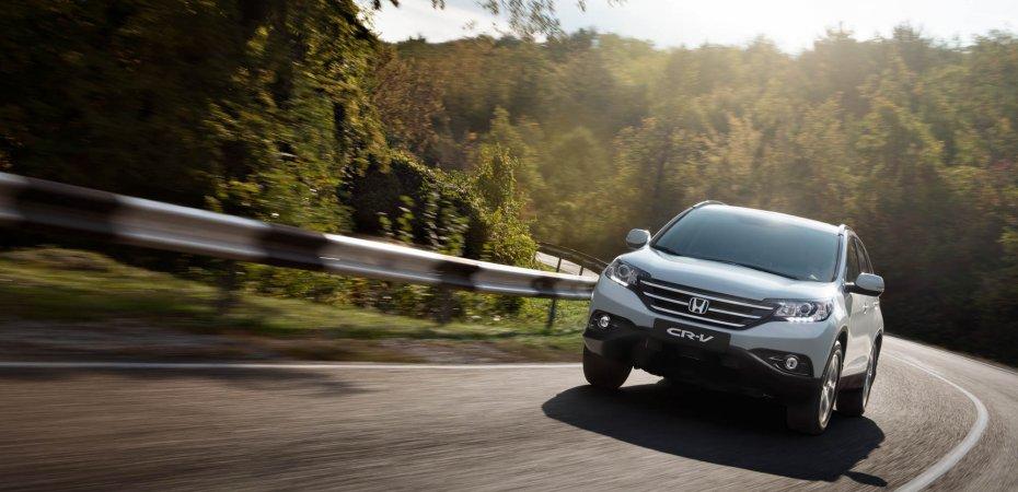 Компания Honda объявляет цены на новый CR-V с двигателем 2.4 литра