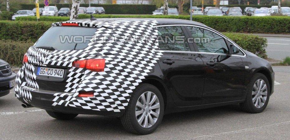 Опель Астра Спортс Турер (Opel Astra Sports Tourer) - первое фото