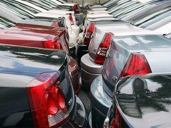 В августе продажи новых автомобилей в России упали на 54%