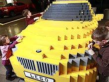 Из конструктора LEGO собрали BMW X1 в натуральную величину