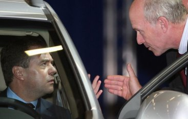 Президент РФ нарушает ПДД