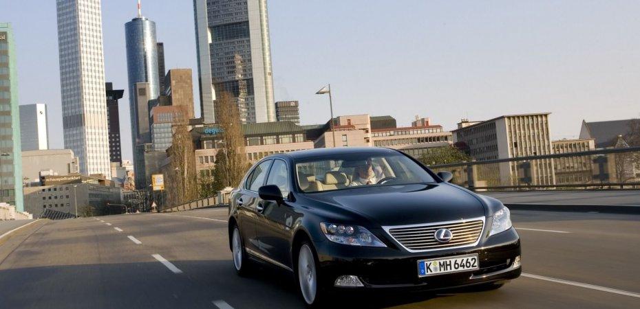 У Лексуса (Lexus) найден брак рулевого управления
