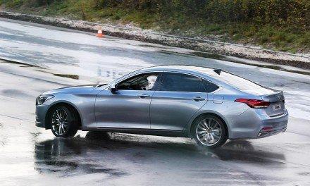 Hyundai Genesis номер два
