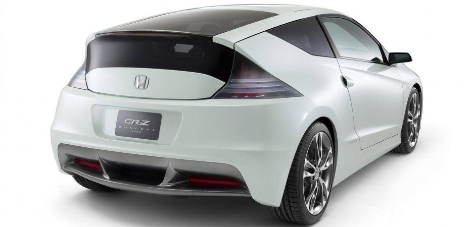 Первые фотографии серийного хэтчбека Honda CR-Z!