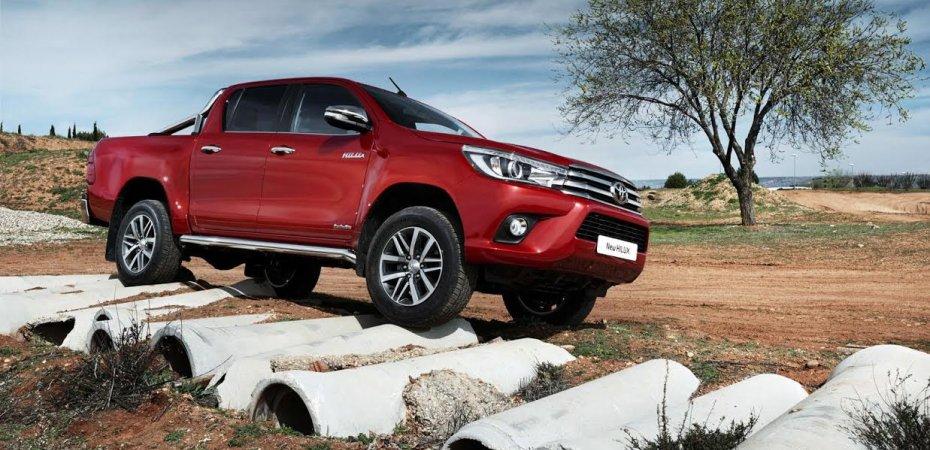 Toyota представила новый Hilux