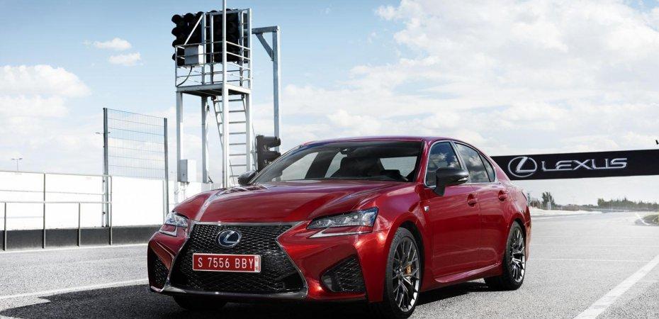 Новый Lexus GS F на видео