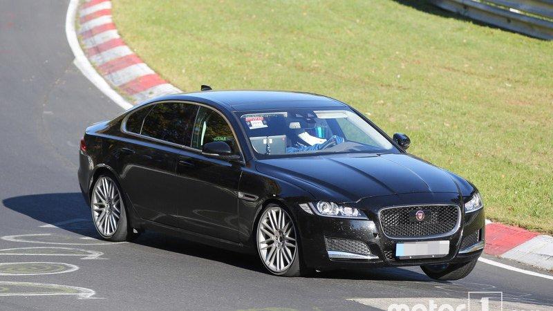 Jaguar XF станет длиннее