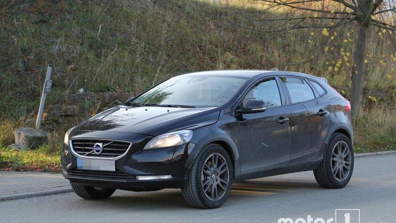 Volvo тестирует XC40