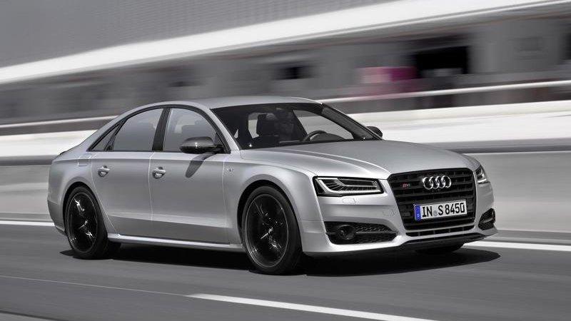Названа цена Audi S8 Plus
