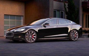Tesla отзывает Model S