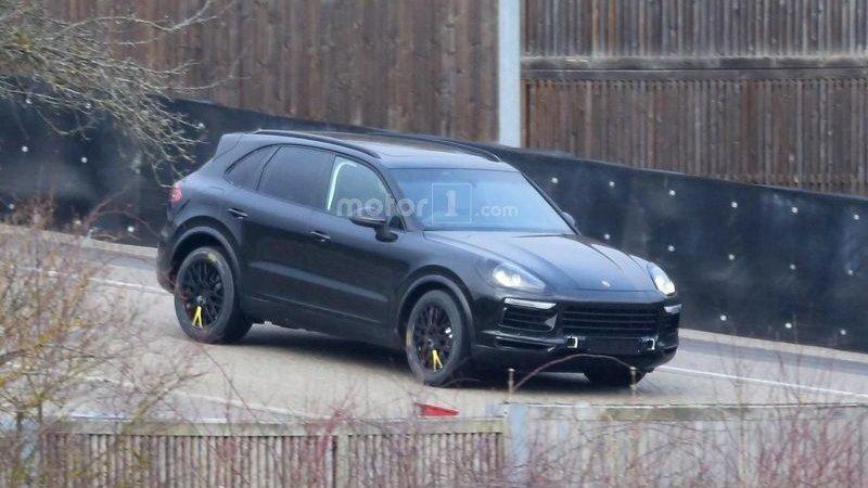 Porsche обновит Cayenne
