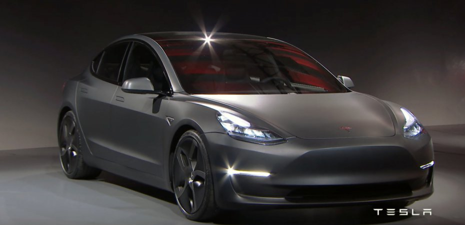 Tesla показала Model 3