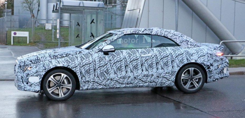 Кабриолет Mercedes E на тестах
