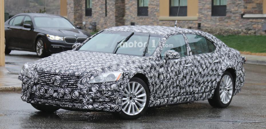 Новый Lexus ES на тестах
