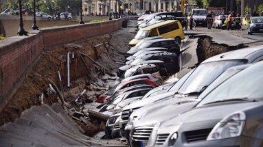 20 авто ушли под землю