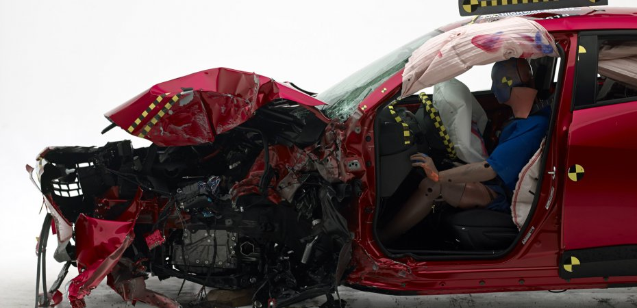 Краш-тест Mazda CX-3: в хлам