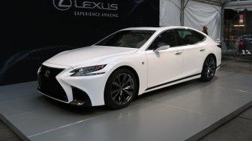 Lexus LS 500 стал спортивнее