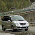 Фотографии Lancia Phedra 2002