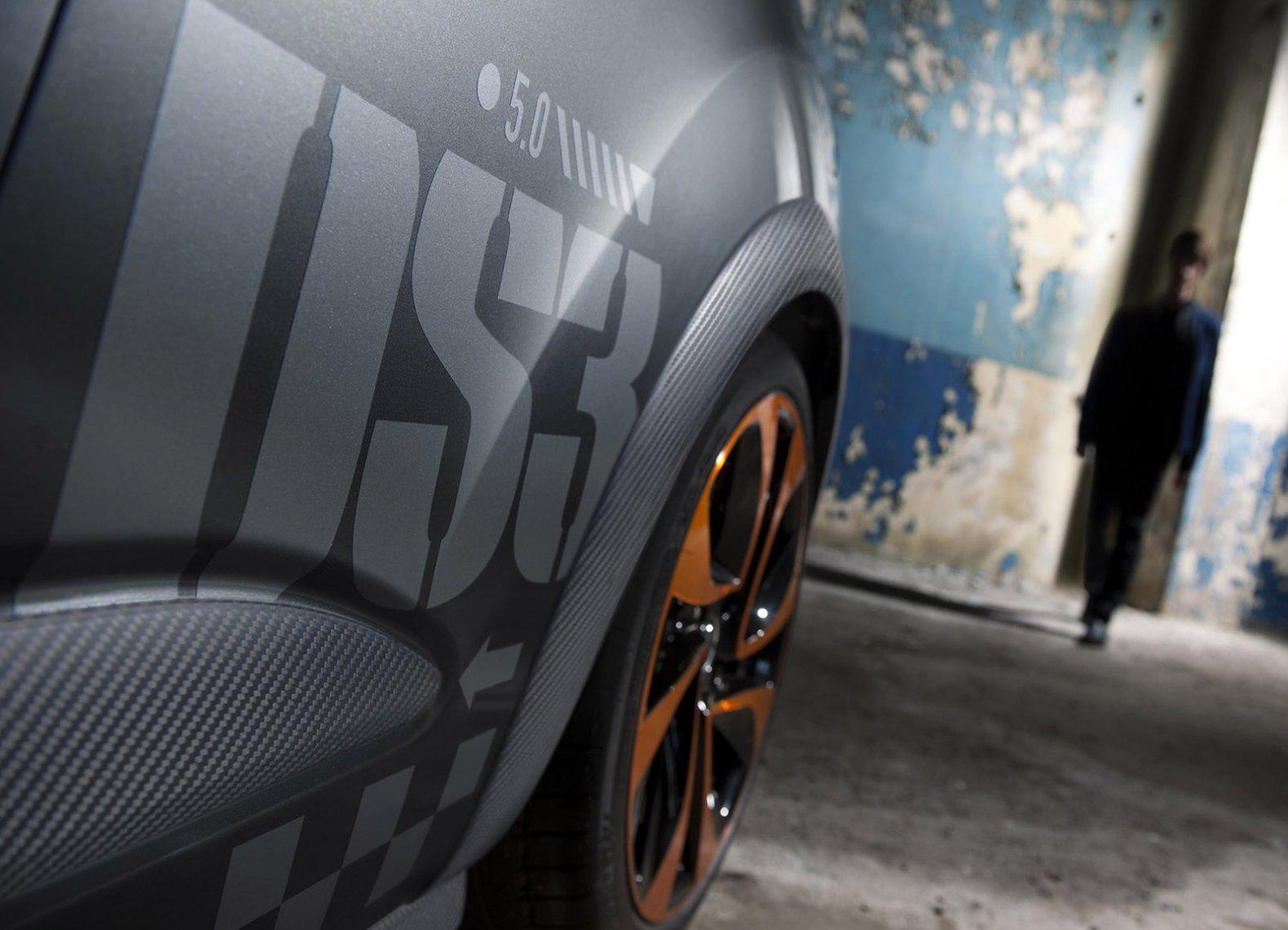 серый автомобиль citroen ds3 racing бесплатно