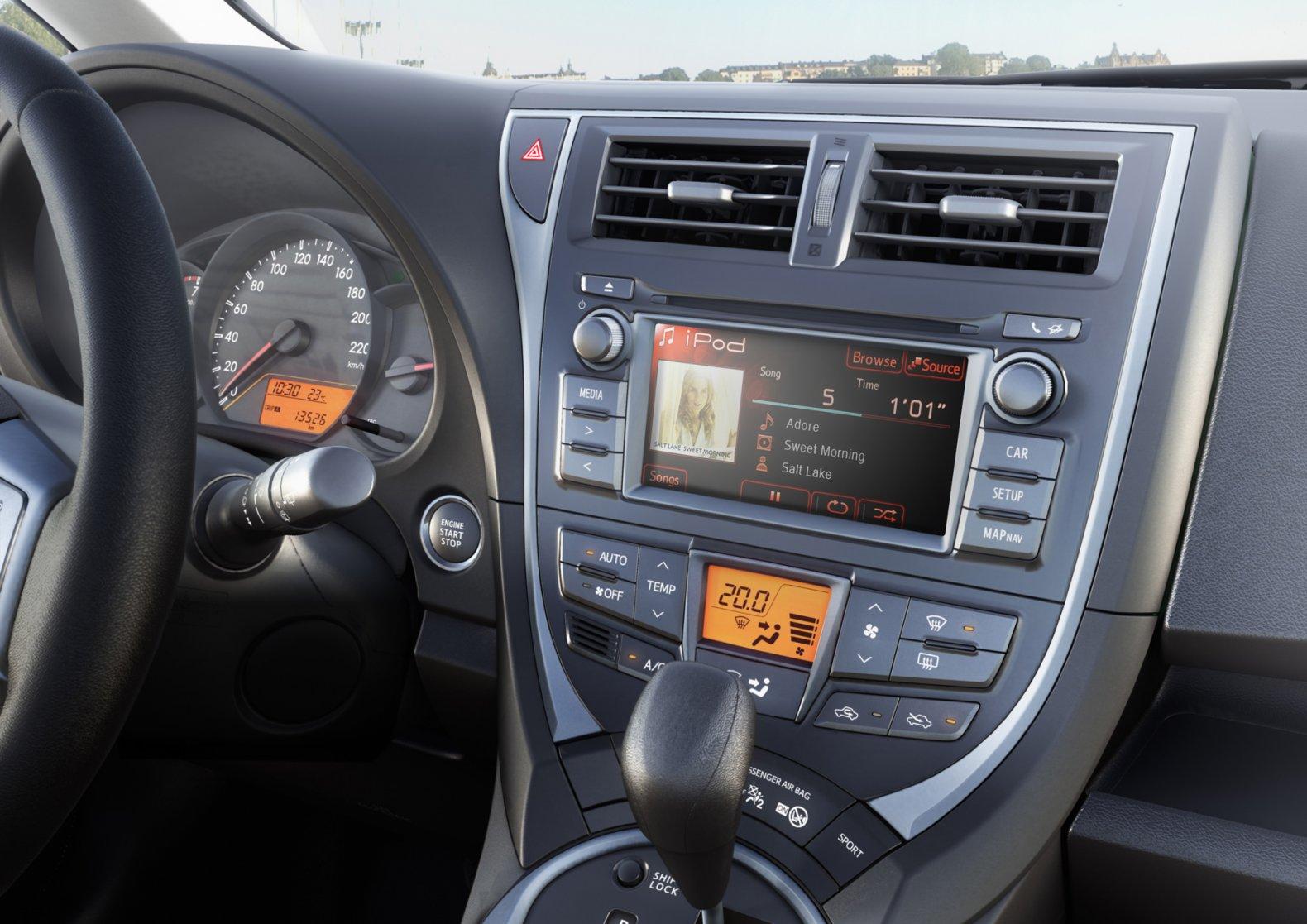 ADAC Auto-Test Toyota Verso-S 1.33 Start&Stop Life