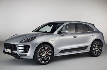 Porsche Macan Turbo with Performance Package